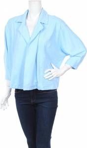 Niebieska marynarka Vero Moda na guziki krótka