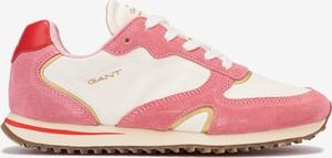Różowe buty sportowe Gant z płaską podeszwą z zamszu