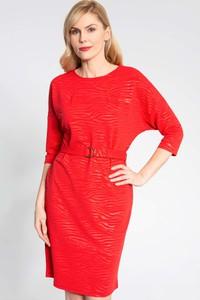 Czerwona sukienka QUIOSQUE z długim rękawem z okrągłym dekoltem