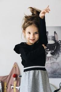 Czarna bluzka dziecięca Mizerki Kids z długim rękawem