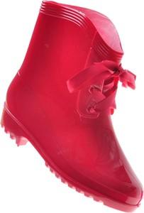 Czerwone kalosze Pantofelek24 z płaską podeszwą