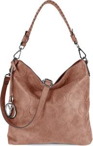 Brązowa torebka Suri Frey z breloczkiem w stylu casual z tłoczeniem