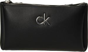 Torebka Calvin Klein ze skóry ekologicznej na ramię w stylu glamour
