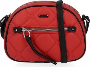 Czerwona torebka David Jones pikowana w stylu glamour