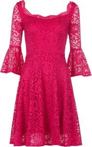 Sukienka VISSAVI z dekoltem w karo mini z długim rękawem