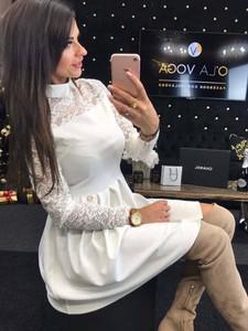 Sukienka Divinostyle z kołnierzykiem mini