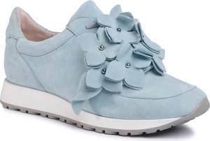 Niebieskie buty sportowe Gino Rossi z zamszu na platformie