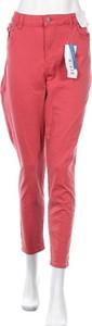 Różowe jeansy Target