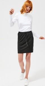 Czarna spódnica Moodo w stylu casual