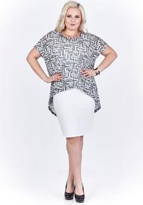 Sukienka Fokus z krótkim rękawem dopasowana z tkaniny