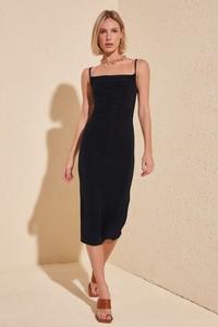 Sukienka Trendyol dopasowana