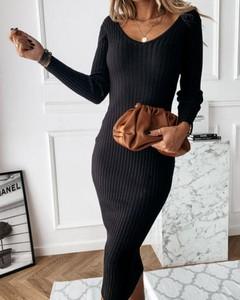 Czarna sukienka Kendallme z okrągłym dekoltem w stylu casual dopasowana