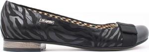 Czarne baleriny zapato z płaską podeszwą ze skóry