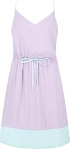 Sukienka Tommy Jeans z dekoltem w kształcie litery v na ramiączkach