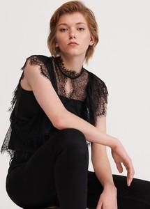 Czarna bluzka Reserved z krótkim rękawem z okrągłym dekoltem w młodzieżowym stylu