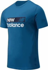 Niebieski t-shirt New Balance z krótkim rękawem w sportowym stylu