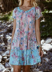 Sukienka Sandbella z krótkim rękawem mini