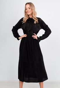Sukienka ZOiO.pl z długim rękawem oversize
