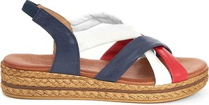 Sandały Clka z klamrami na koturnie w stylu casual