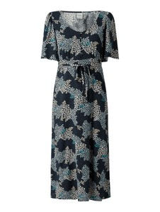 Czarna sukienka Ichi z dekoltem w kształcie litery v z krótkim rękawem