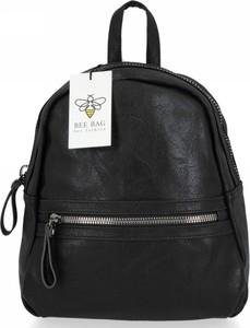 Czarna torebka Bee Bag lakierowana ze skóry ekologicznej