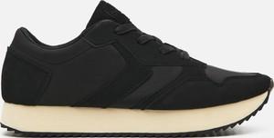 Buty sportowe Cropp na platformie w sportowym stylu