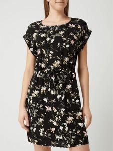 Sukienka Vero Moda z krótkim rękawem z okrągłym dekoltem