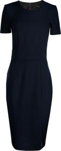 Niebieska sukienka Nife z krótkim rękawem z okrągłym dekoltem dopasowana