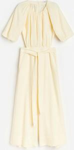 Żółta sukienka Reserved z tkaniny z krótkim rękawem koszulowa