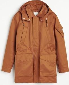 Brązowa kurtka Reserved w młodzieżowym stylu