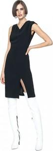 Czarna sukienka ANETA KRĘGLICKA X L'AF bez rękawów ołówkowa z dekoltem w kształcie litery v