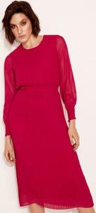Czerwona sukienka Diverse z długim rękawem