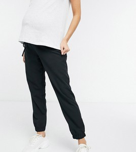 ASOS DESIGN Maternity – Czarne joggersy z tkaniny-Czarny