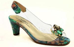 Sandały Tamaris w stylu klasycznym na niskim obcasie