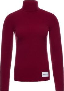 Czerwony sweter Calvin Klein w stylu casual