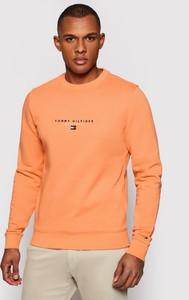 Pomarańczowa bluza Tommy Hilfiger w młodzieżowym stylu z bawełny