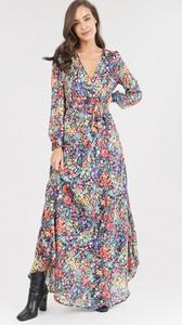 Sukienka born2be maxi z dekoltem w kształcie litery v z długim rękawem