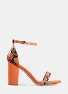 Pomarańczowe sandały DeeZee na słupku