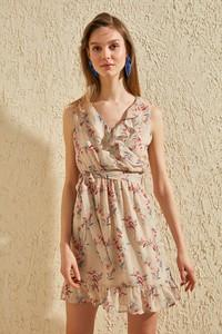 Brązowa sukienka Trendyol rozkloszowana