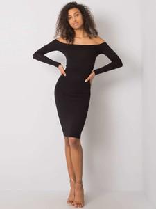 Czarna sukienka Sheandher.pl z długim rękawem
