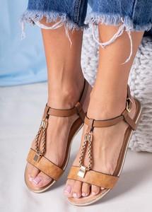 Brązowe sandały Casu z klamrami