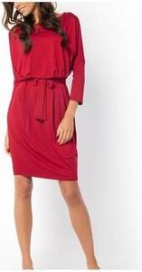 Czerwona sukienka Meleksima z długim rękawem w stylu casual