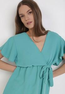 Miętowa bluzka born2be z krótkim rękawem z dekoltem w kształcie litery v w stylu casual