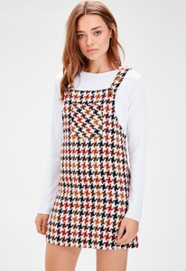 Sukienka Trendyol w stylu casual mini z dekoltem w karo