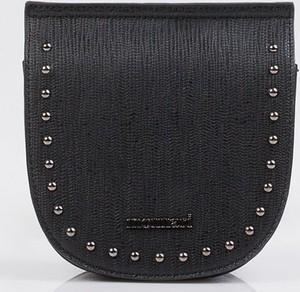 Czarna torebka Monnari ze skóry ekologicznej na ramię