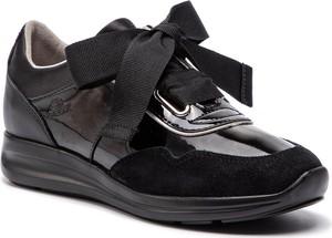 Sneakersy Geox na koturnie z zamszu sznurowane