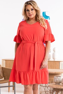 Sukienka KARKO z tkaniny z okrągłym dekoltem z krótkim rękawem