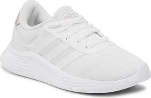 Buty sportowe Adidas z płaską podeszwą w sportowym stylu