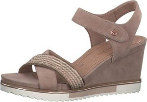 Brązowe sandały Tamaris na koturnie ze skóry z klamrami