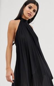 Czarna sukienka Asos z odkrytymi ramionami